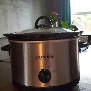 Slow cooker with timer and toaster St. John's Newfoundland image 1