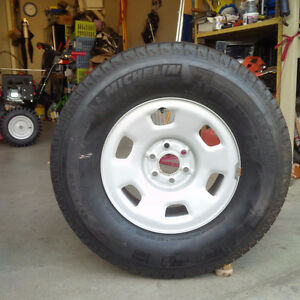 4 Michelin X Snow Tires Like New London Ontario image 4
