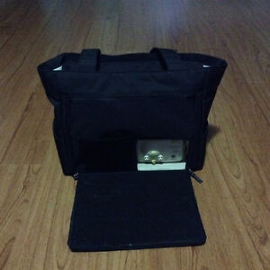 New Medella double electric breast pump with travel bag!! Kitchener / Waterloo Kitchener Area image 1