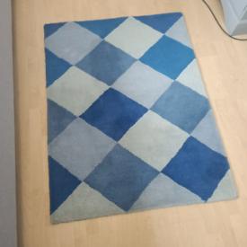 Blue rug Laura Ashley