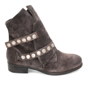 New in box, Miz Mooz New York City, size 9-9.5 leather boots