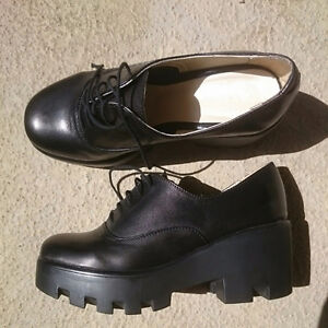 Worn once made in Italy sz 6 genuine leather shoes