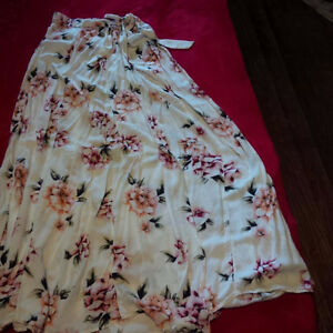 Small Long Skirt with Flowers