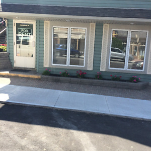 IDEAL RETAIL SPACE IN DOWNTOWN ST. JACOBS VILLAGE