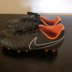 88a19ab1d Kids soccer shoes