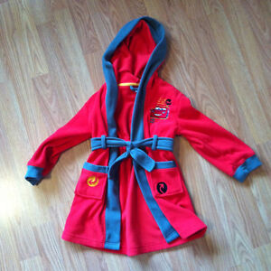 Lightning McQueen robe size 3