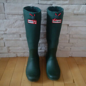 Hunter boots-hunter green with canvas shaft- like new!