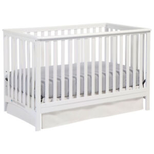 Hillcrest Stages 4-in-1 Convertible Crib-White (Brand New )
