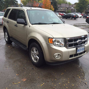 Certified low km 2011 Ford Escape in excellent shape! Kitchener / Waterloo Kitchener Area image 3
