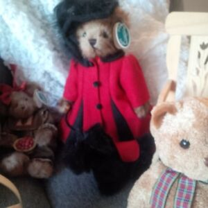 Bearington, Boyd, Gund, Ty and other collectible Bears