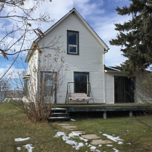 House for rent in Tofield utilities included