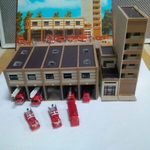 N Guage Fire Station with 7 Trucks