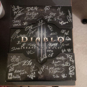 D3: Reaper of Souls Collectors Edition Signed by Entire Dev Team