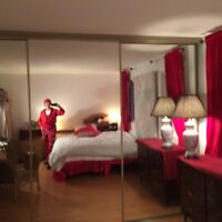 Excellent location Large Grand Room Chambre rent louer
