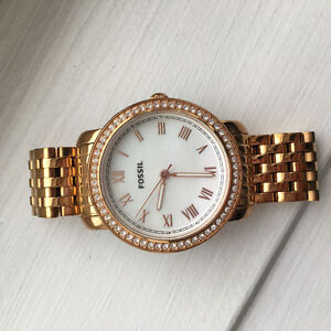 Brand new condition FOSSIL gold women's watch Cambridge Kitchener Area image 1