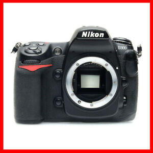 Nikon D300 DSLR + card + battery + charger, only 13000 shutter