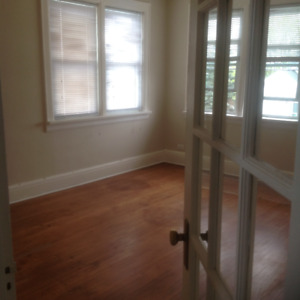 2 Bedroom, upstairs apartment