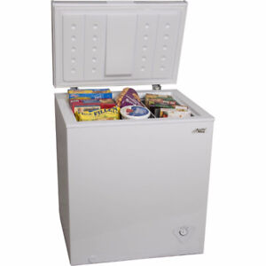 FREEZER 5.0CUFT WHITE AND BLACK-with-WARRANTY-$159.99