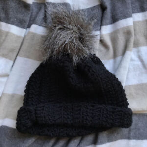 NEW Black Knitted Toque with Faux Fur Pompom