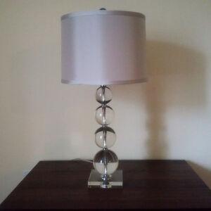 Lampe de table - verre et gris