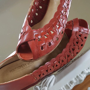 Adorable Vintage Red Leather Summer Heels - In great condition!