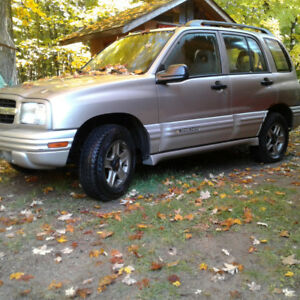 SUV,  2002 Chevy tracker 4x4