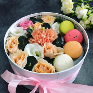 Macarons & Flowers Gifts