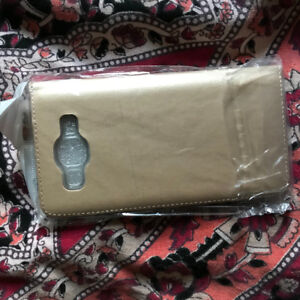Purses and cell phone accescories for sell