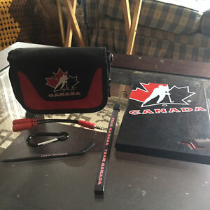Team Canada DS carrying case & game case w/ Accessories
