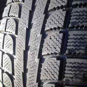 Set of 2 SONY winter tires 235/70/16 West Island Greater Montréal image 1