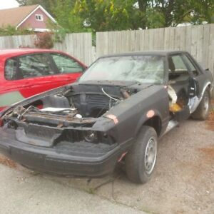 1988 Ford Mustang Coupe (2 door)