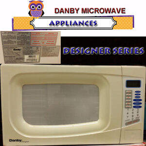DANBY DESIGNER MICROWAVE IN EXCELLENT CONDITION
