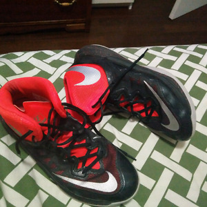 Nike Bball Shoes size 9, worn outside once and used 1 season.