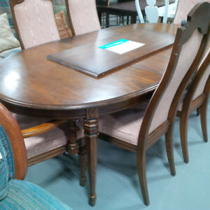 Traditional wooden/pink dining table set w/6 chairs