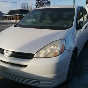 2005 Toyota Sienna AWD for parts