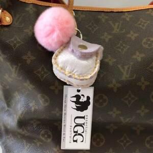 Essential UGG Sheepskin Coin Purse Car Key Chain Ring Bag Holder Pouch