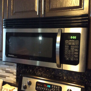 Microwave Oven Over the Range Danby Great condition Windsor Region Ontario image 1
