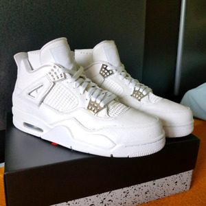 Selling Jordan 4 Pure Money Size 9.5