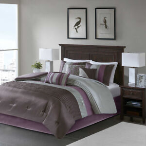 Queen sized Amherst Plum 3-Piece Comforter Set