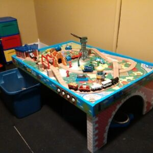 Thomas the Train Table, Tracks, Trains and accessories