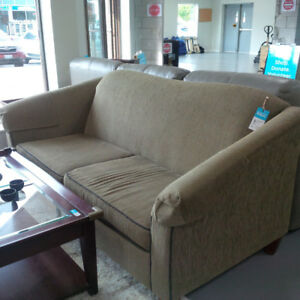 A beautiful and comfy sofa in perfect condition for only $80