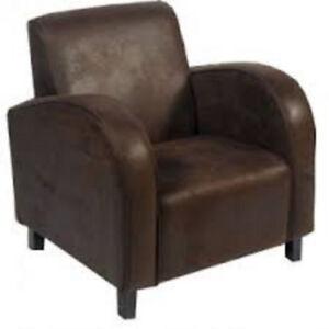 fauteuil brun avec pouf