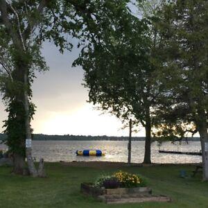 5 Bedroom Lakefront cottage for Rent