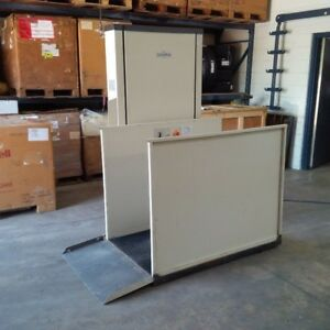 SAVARIA WHEELCHAIR PLATFORM LIFT