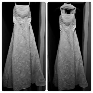 UN-WORN Champagne & Lace Gown. Like new. Elegant. Lowered Price!