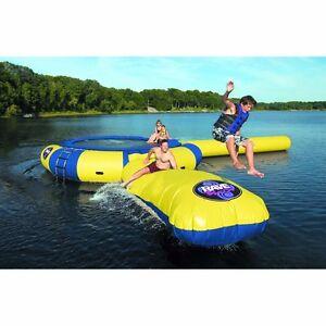 Water trampoline - Aqua jump park w log and launch