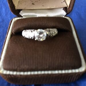 14KT WHITE GOLD ENGAGEMENT RING FOR SALE