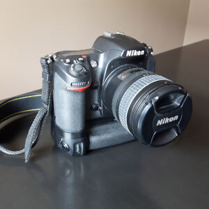 Nikon D300 + AF-S Nikkor 18-70 + MB-D10 Grip