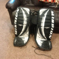Goalie pads, pants and chest protector