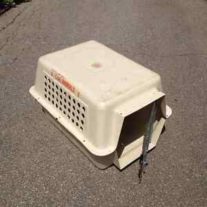 Dog/cat crate for air travel